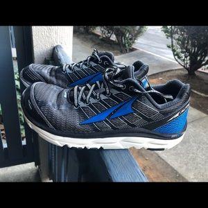 Altra Men's Zero Drop Foot Shape Gray Sz 8 US